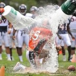 TWO BITS: Tebow doused, can read defenses