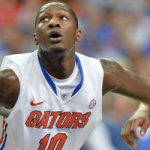 Gators F Dorian Finney-Smith diagnosed with hairline fracture in non-shooting hand