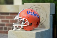 Reports: Gators veteran offensive lineman suffers serious knee injury