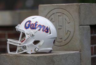 College football rankings: Florida shaky in top 25 polls after win at Kentucky
