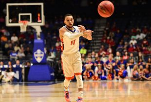Fastbreak: Florida bounces back to upend Cincinnati