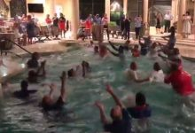 WATCH: Florida coaches 'quake the pool,' Gator Chomp to celebrate recruiting success
