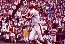 Former Gators All-American QB John Reaves dies at 67