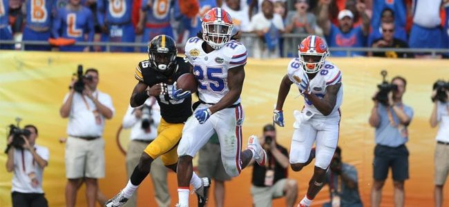 Florida starting RB Jordan Scarlett suspended, bringing total to 10 out for opener vs. Michigan