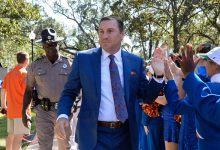 Florida coach Dan Mullen, assistant Todd Grantham listed as candidates for big-time jobs, per reports